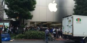 iPhone6の列に並んだ中国人が海外でも暴れたらしいけど、物販の列に横入りしてくる奴もなんなのよって話